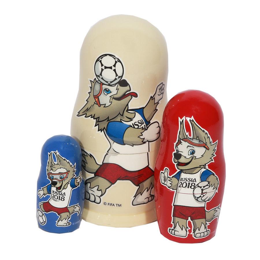 Сувениры на ЧМ 2018 по футболу, матрешки, гжель, фотография